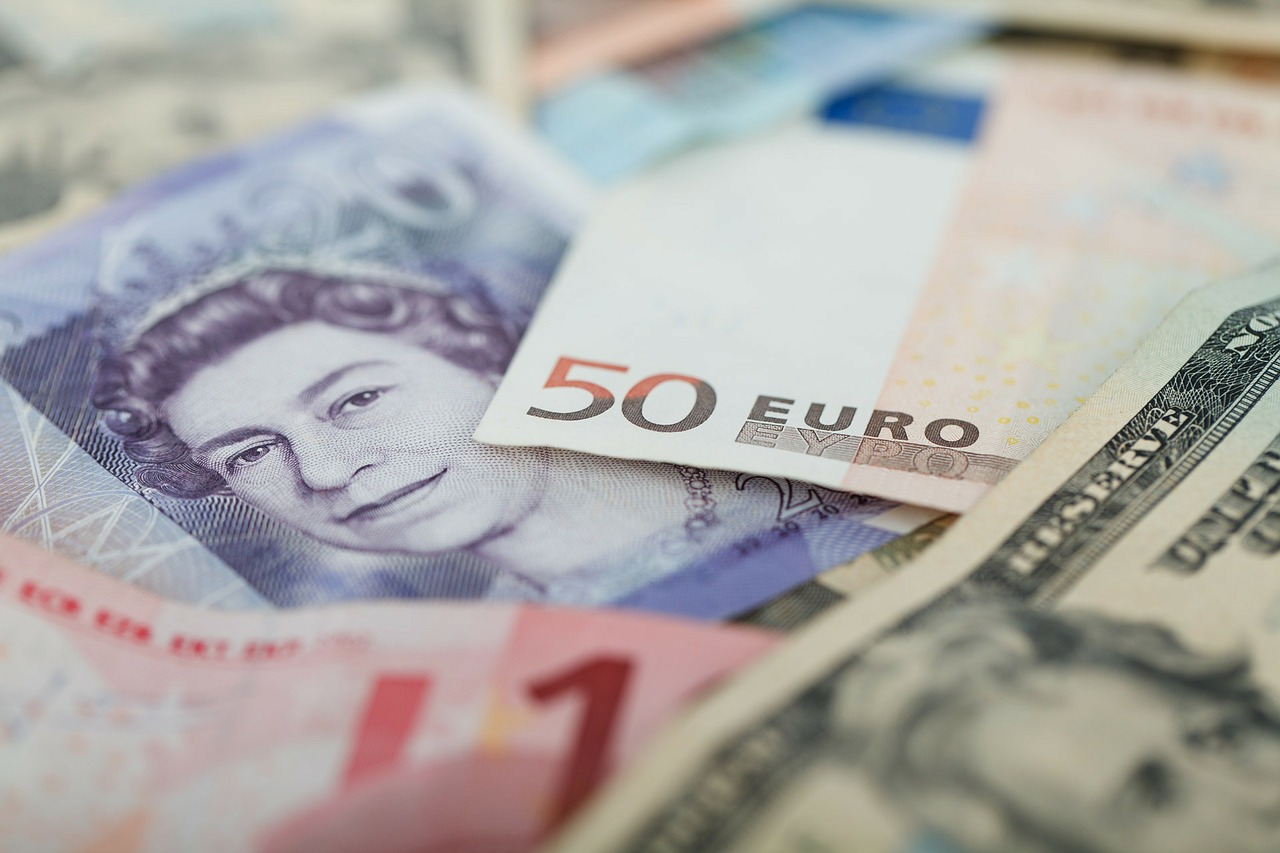 GBP/EUR hits new eight-year highs (video)