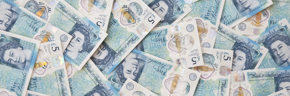 currency-newsPound fluctuates as UK politics remains in focus